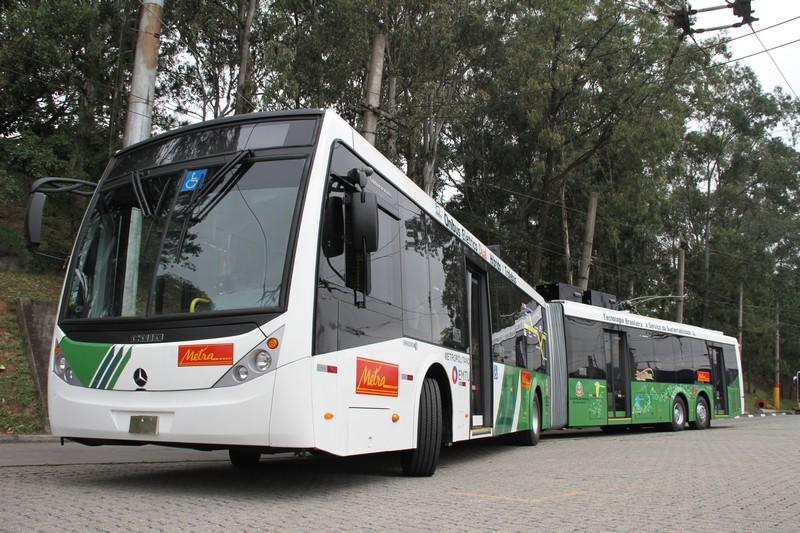 Tire suas dúvidas sobre mobilidade elétrica no transporte público e de carga
