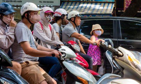 Crianças a caminho da escola sofrem mais com a poluição
