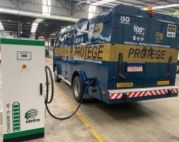 Protege e Eletra lançam 1º carro-forte 100% elétrico do mundo