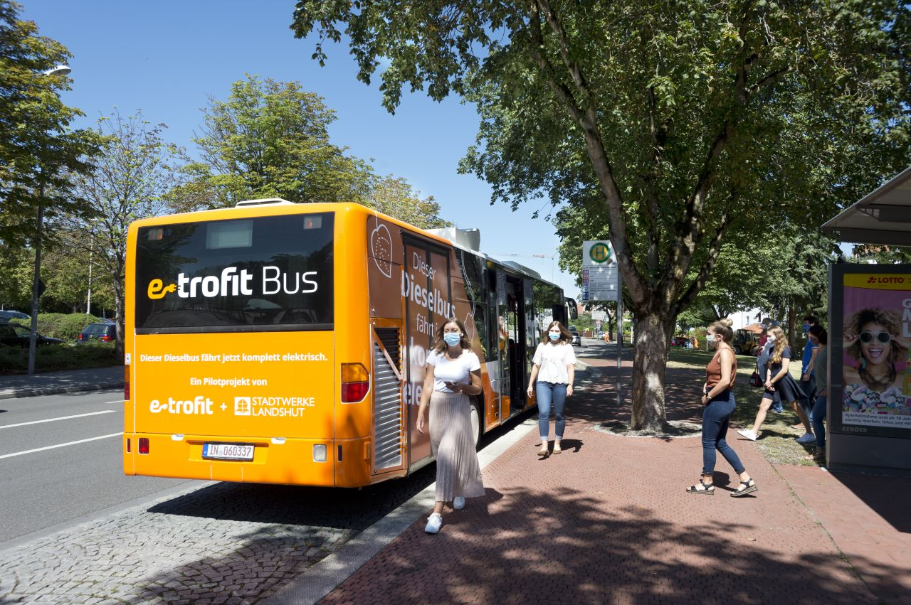 Cidade alemã começa uso do primeiro ônibus urbano convertido com o kit e-troFit